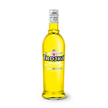 Trojka Vodka Yellow (17% vol.)